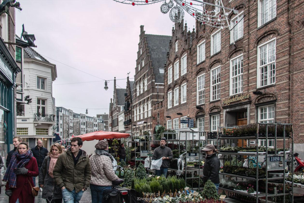 W sobotę na rynku i w okolicznych uliczkach wystawiają się sprzedawcy