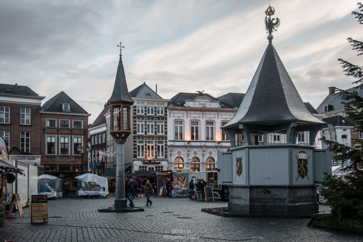 Studnia na rynku w Den Bosch